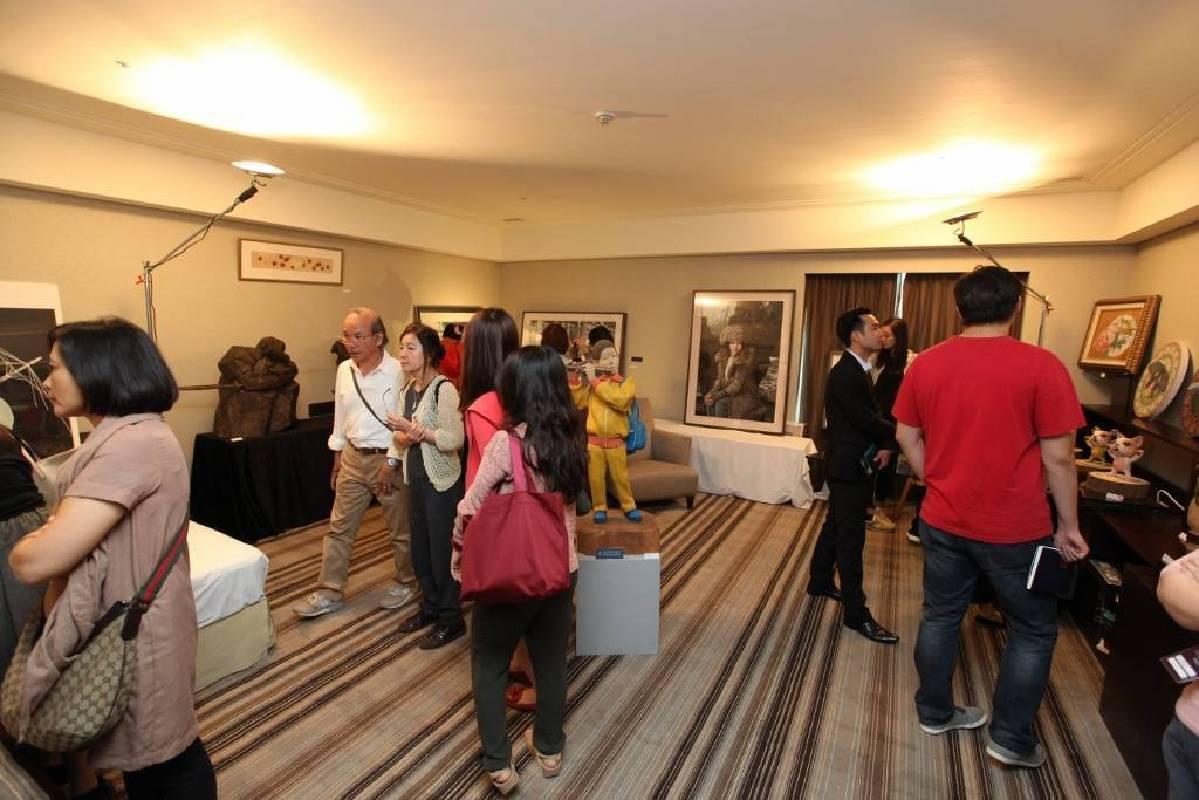 展覽最後一天仍有多數民眾湧入觀展