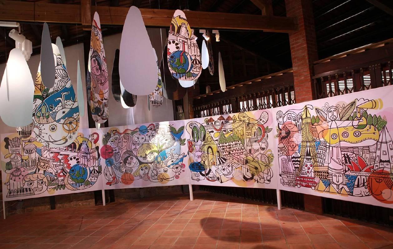 愛倫公主〈牆角一樂園〉以繽紛的色塊,拼貼出一座想像的主題樂園