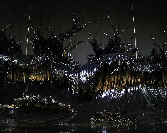 海浪被定格  雕塑捕捉變化瞬間