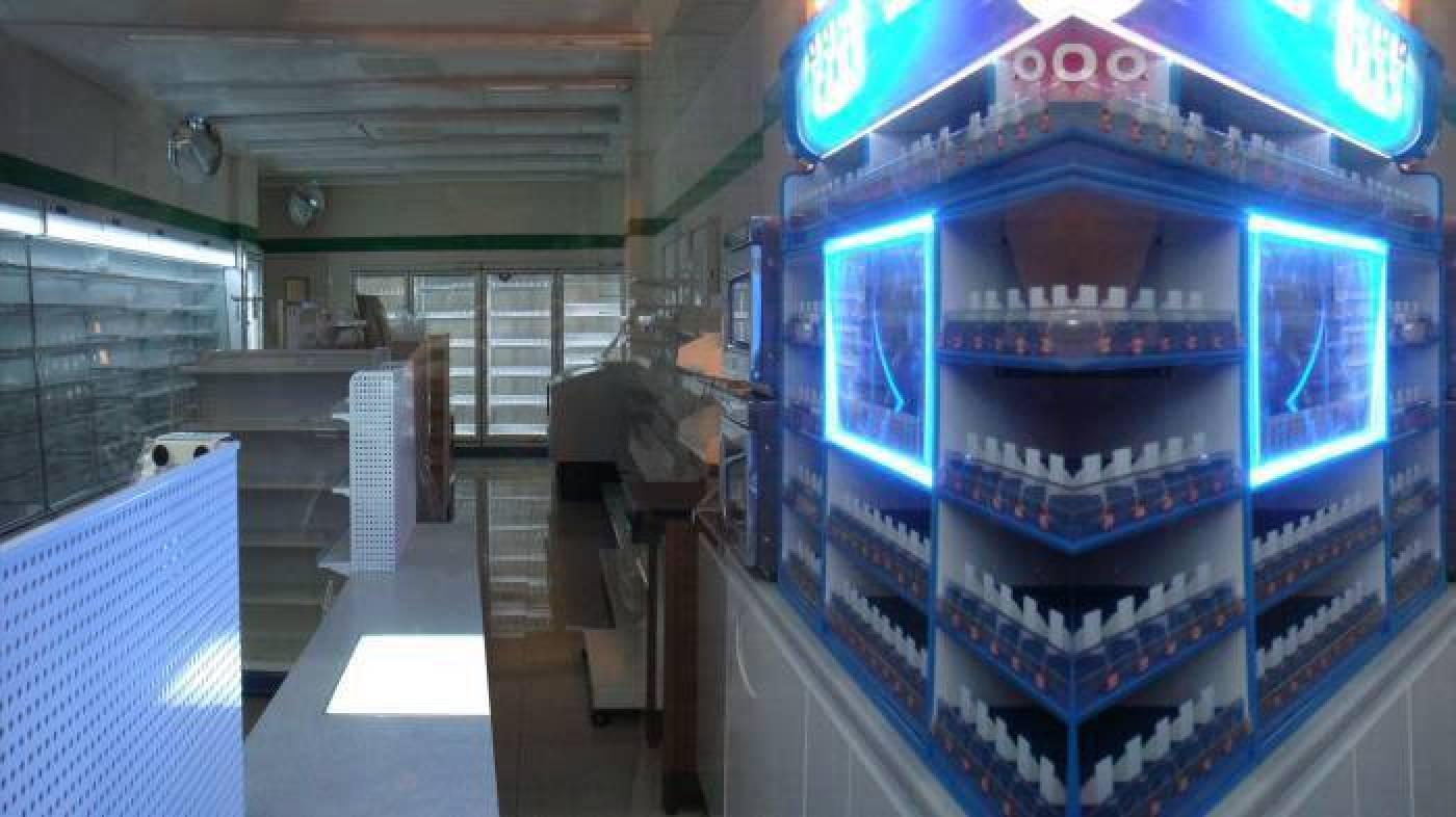 陳依純《室內風景》2009 錄像裝置 7分38秒