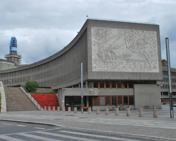 挪威的畢卡索壁畫  面臨拆除危機
