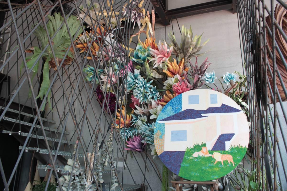 藝術散策區-Danny's Flower中陳列藝術作品,提供民眾連結藝術與生活空間的想像。