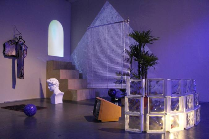 Josephine Bergqvist《多元時尚族》與SUPER ADD《#vapor-room》。圖/非池中藝術網攝。
