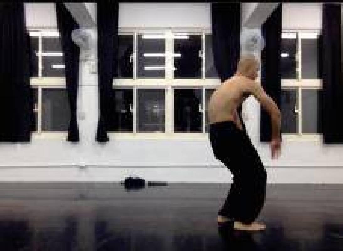 行為表演:林人中《二十世紀舞蹈史,在亞洲》