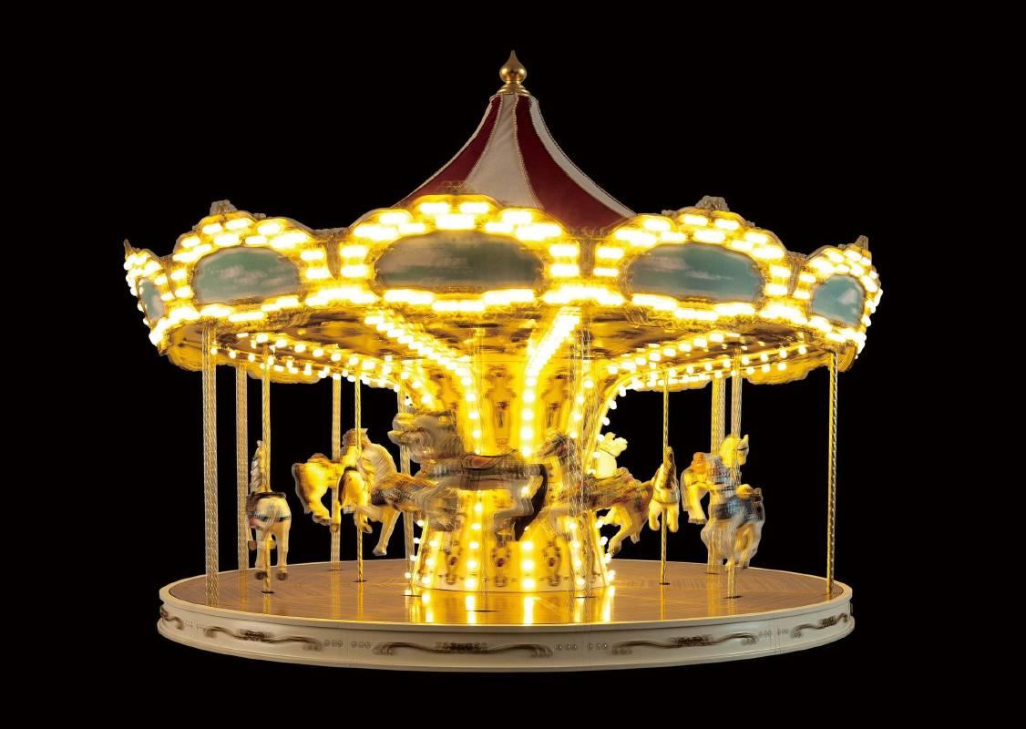 崔旴嵐 Choe Uram 旋轉木馬 Merry-Go-Round 110(w)x110(d)x190(h)cm 2012 手工製旋轉木馬、聲音系統、金屬材料、馬達、LED燈、聚碳酸酯