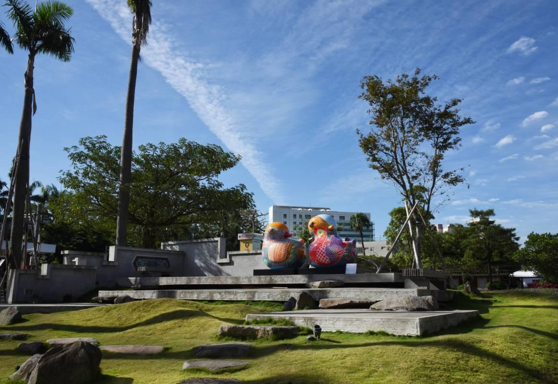 國立工藝中心臺北分館門前廣場造型/工藝中心拍攝的絕佳美景