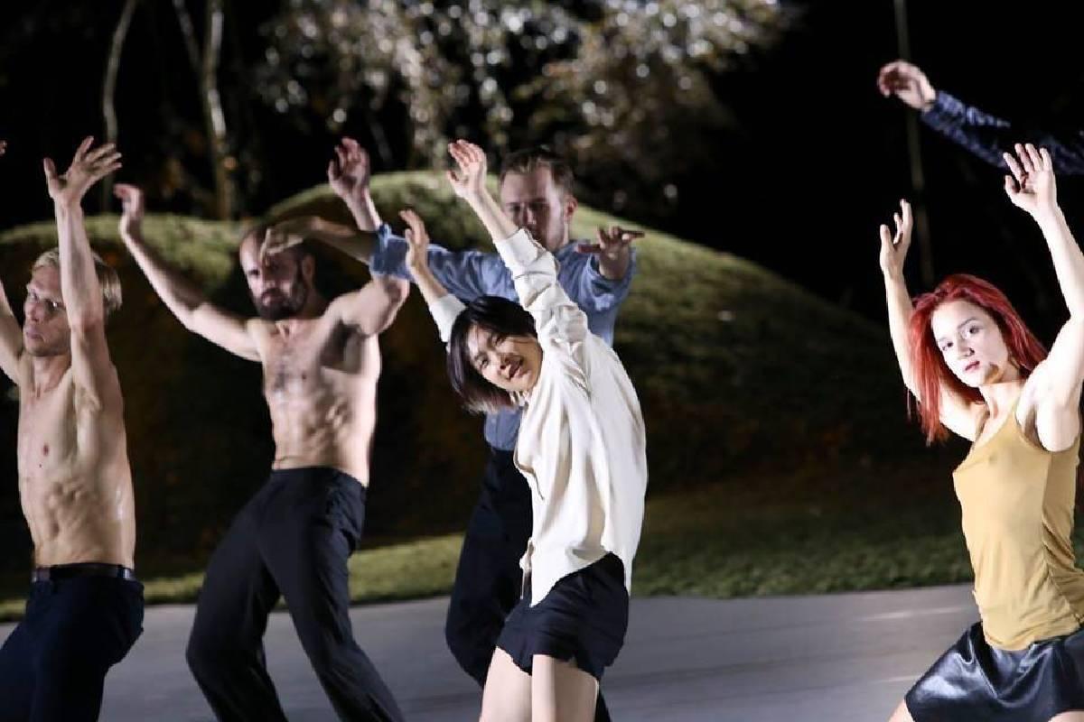 余彥芳_於法蘭克福戲劇院參與李希特與范黛克合作新作「Safe Places」演出