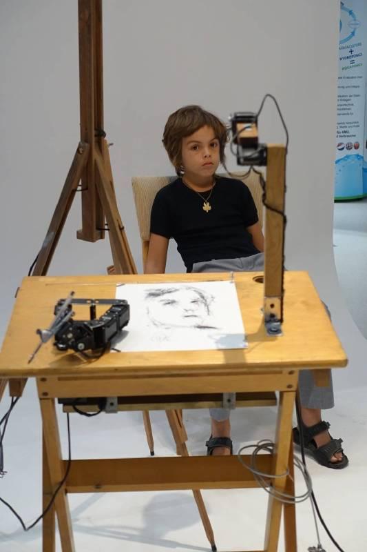 王冠婷-柏林林茲電子藝術中心展覽human factor