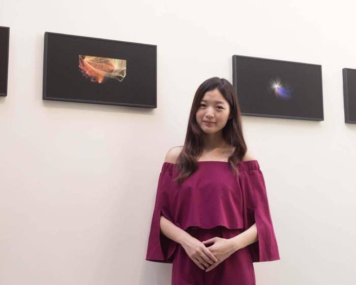 穿梭宇宙斑斕 江孟芝紅點作品回國展出