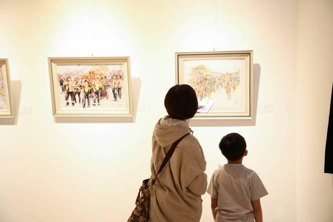 參觀民眾。圖/非池中藝術網攝。