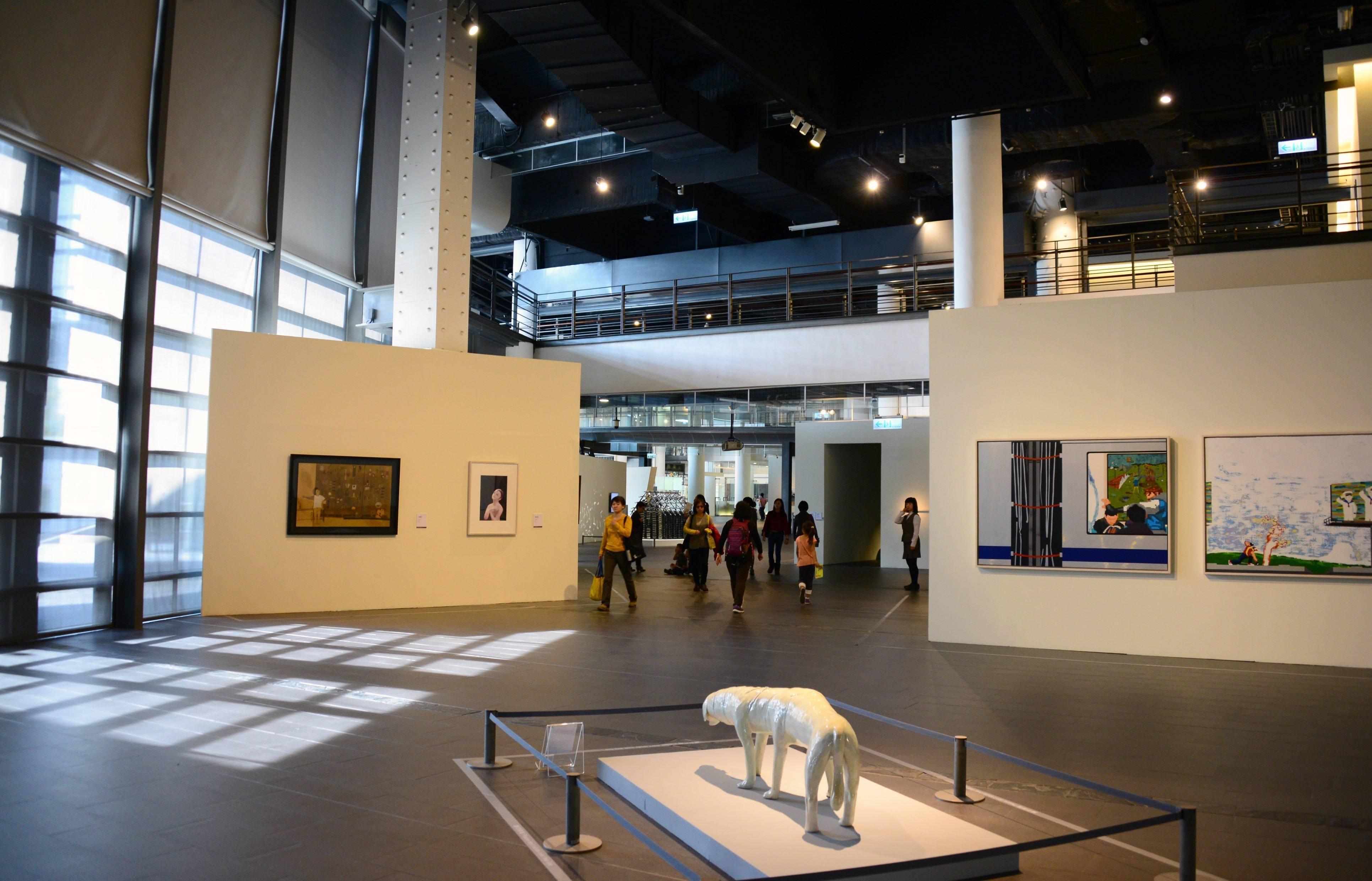 國美館「青年藝術家作品購藏」公開徵件即日開始接受報名,圖為國美館2015年「夢‧棲地─館藏青年藝術主題展」