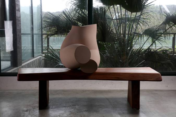 韻 Charm,粉黃色砂岩、櫸木,2016