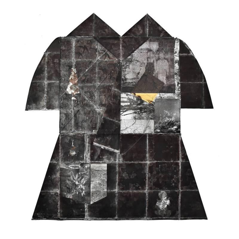 黃至正《侵蝕的記憶-孿生》,2017,紙本、墨水、金箔、銀箔、鋁箔、線,65 x 72 cm