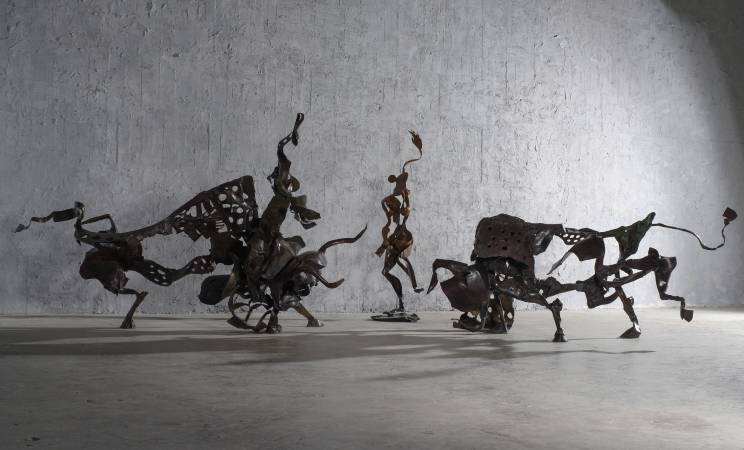 李光裕 機智的鬥牛士(左),格蘭納達(中), 紅色情挑(右) 2016 245x122x129cm,32x26x157cm, 213x135x88cm Bronze 2017