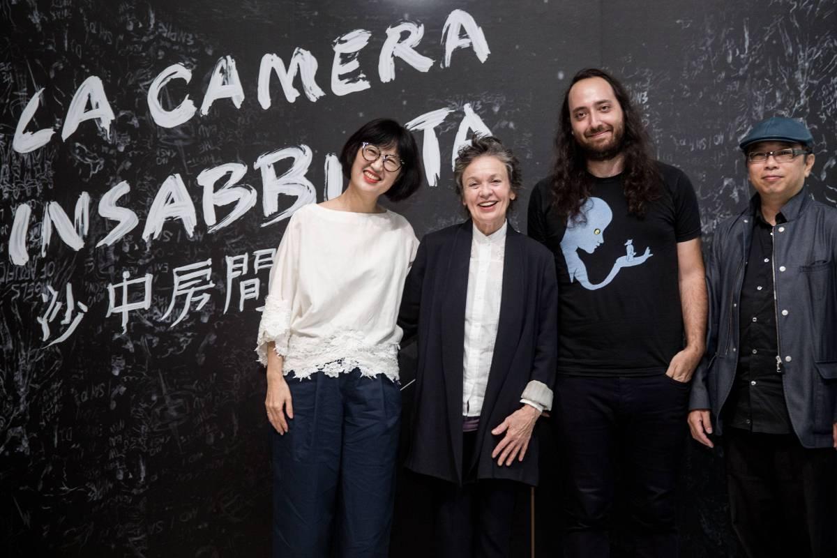 北美館館長林平、藝術家Laurie Anderson、技術總監Jason Stern、藝術家黃心健 ©臺北市立美術館Taipei Fine Arts Museum