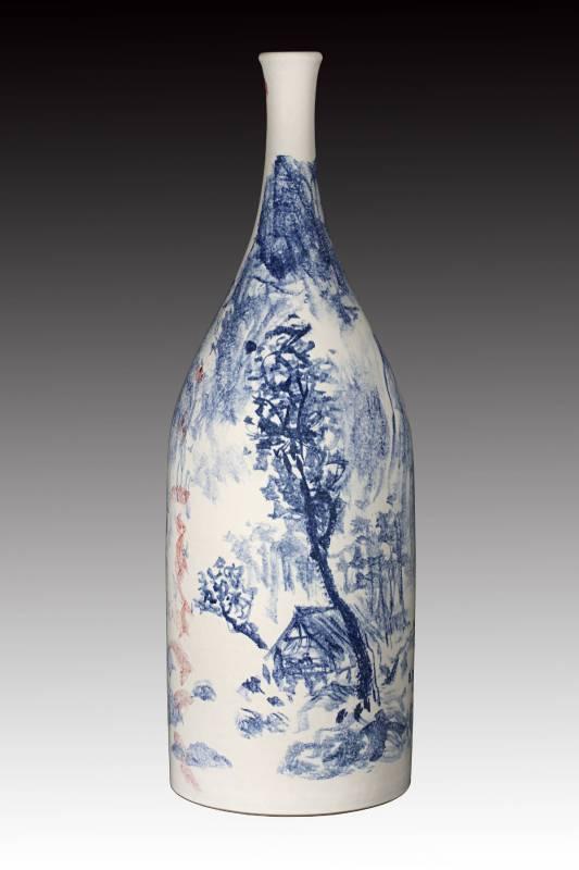 戚維義  《青花山水》 2015  高53cm  瓷土、彩繪