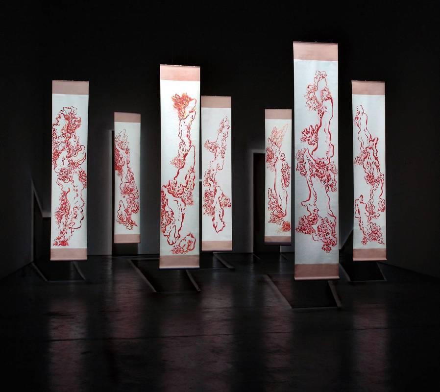 袁慧莉-舞山水之流形生發系列(七件一組)-2010-232x50cm-x7p-礦物顏料、淨皮宣、泥金