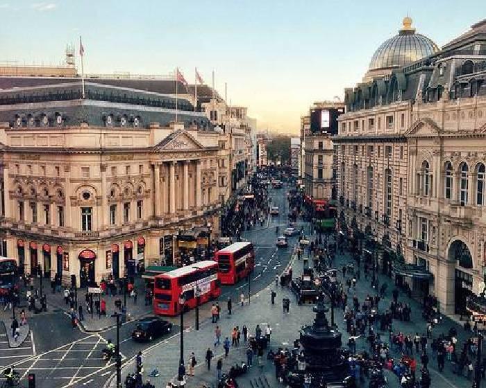一購物車一家當  百位街友眼中的倫敦