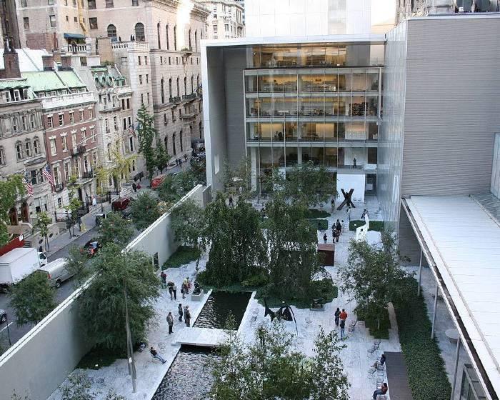 全球第一面彩虹旗  飄揚紐約現代藝術博物館