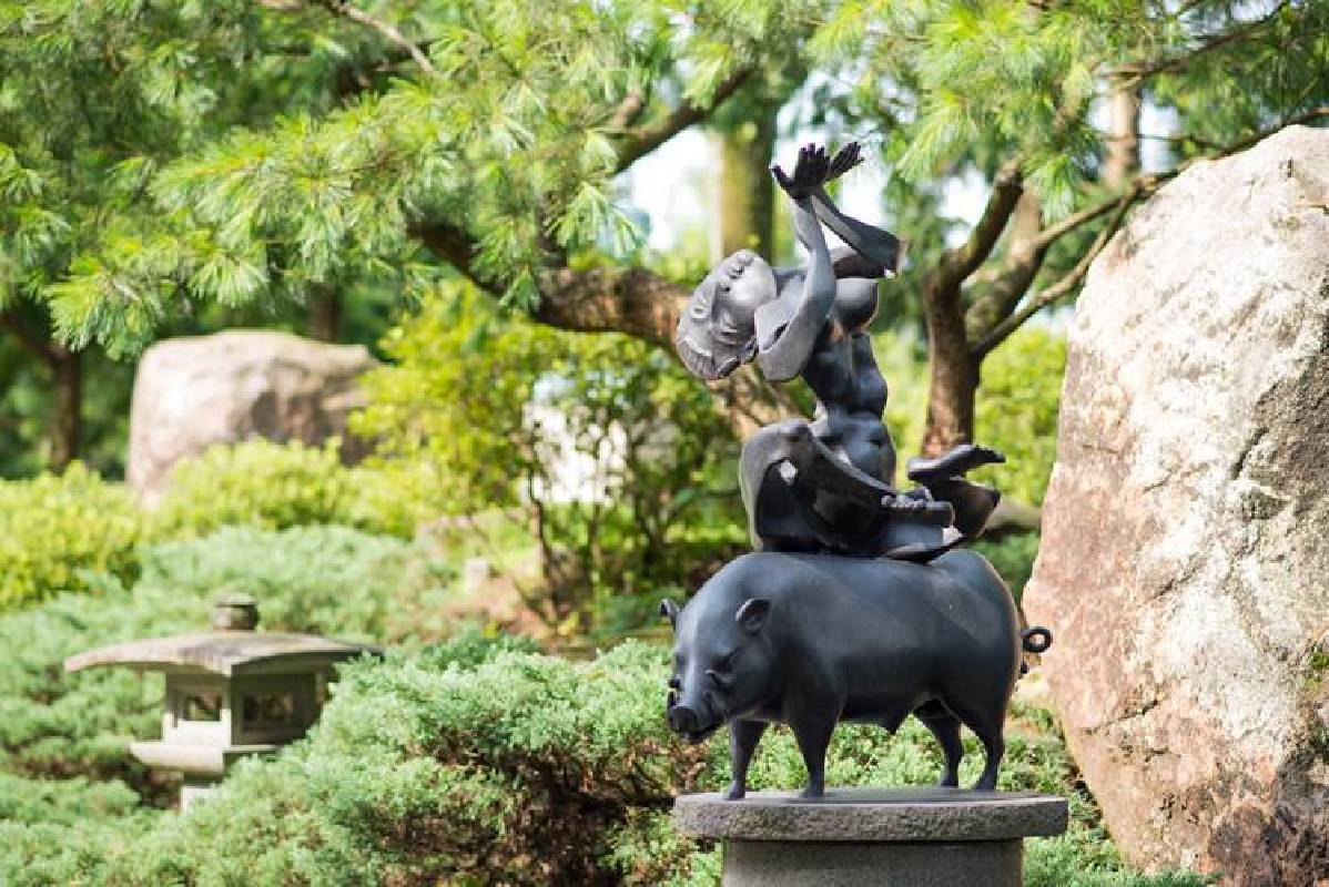 李光裕 亥母 2008 92x63x122cm 銅