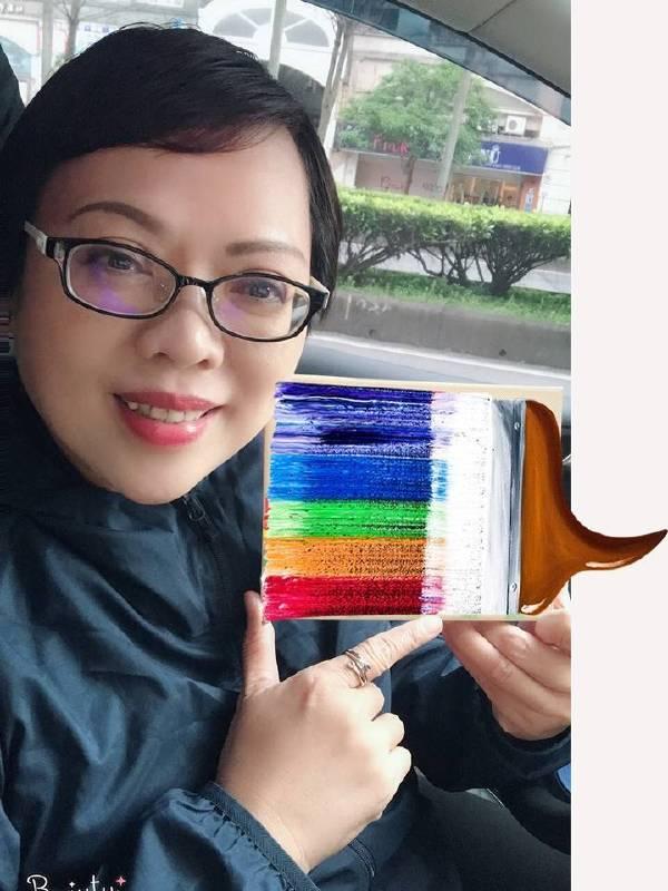藝出慈悲百大名人:漢聲廣播電台主持人黃瑩