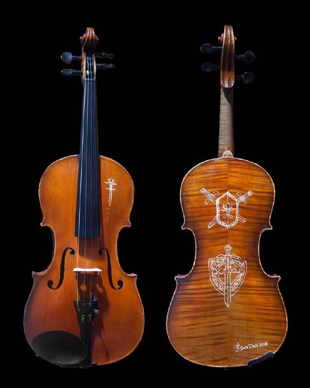 賦予百年古董小提琴新生命的「百年情深」系列,現場合奏「一萬年的共鳴」。