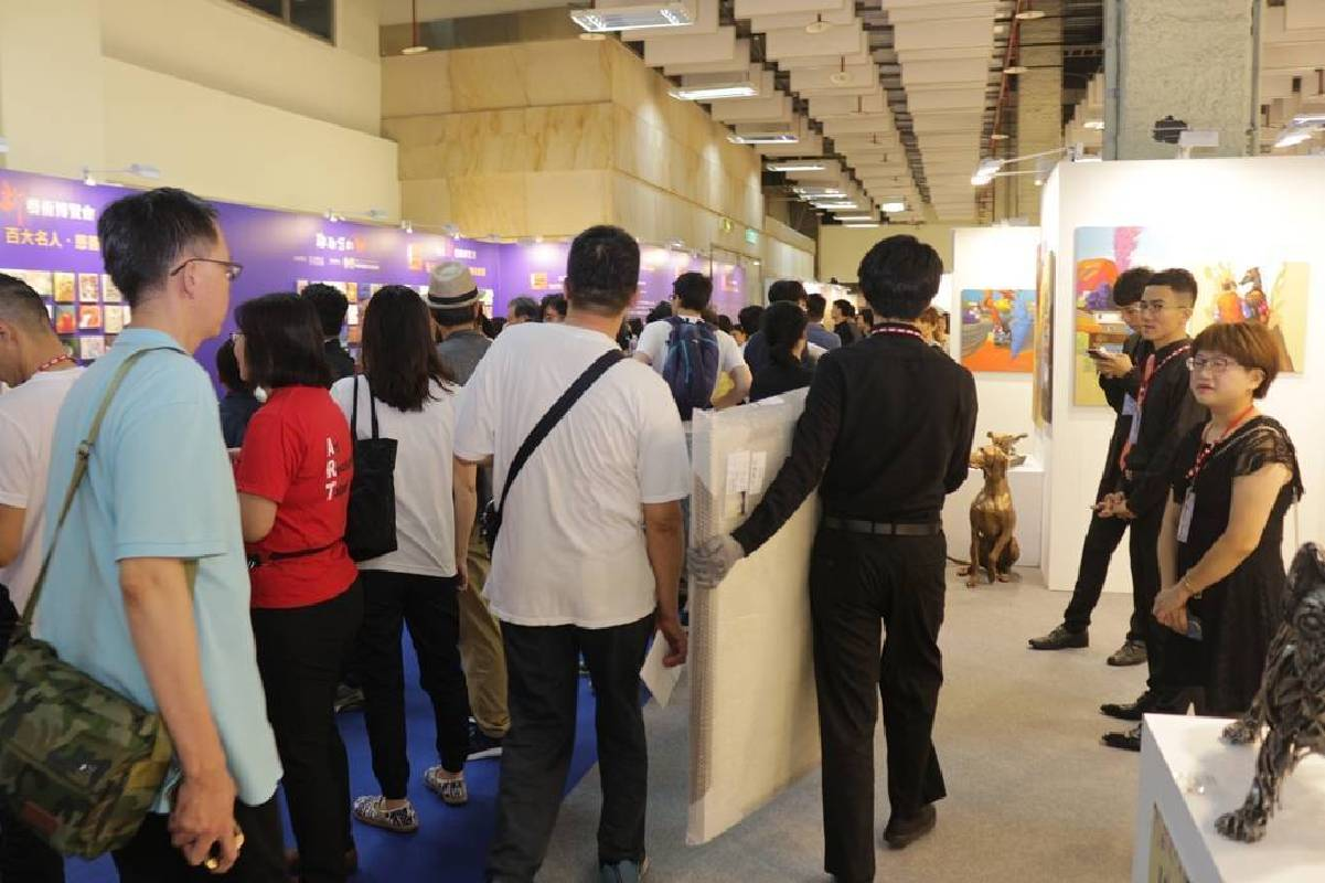 「2018台北新藝術博覽會」VIP之夜延續預展銷售熱況,買氣超強。