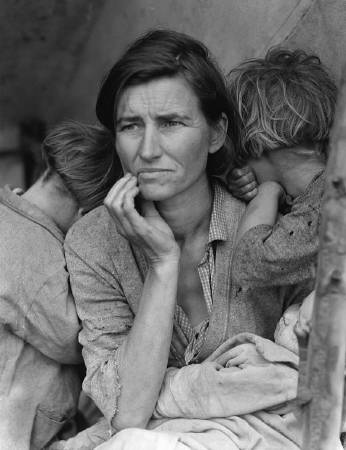 Dorothea Lange《Migrant Mother》,1936。圖/取自Wikipedia。