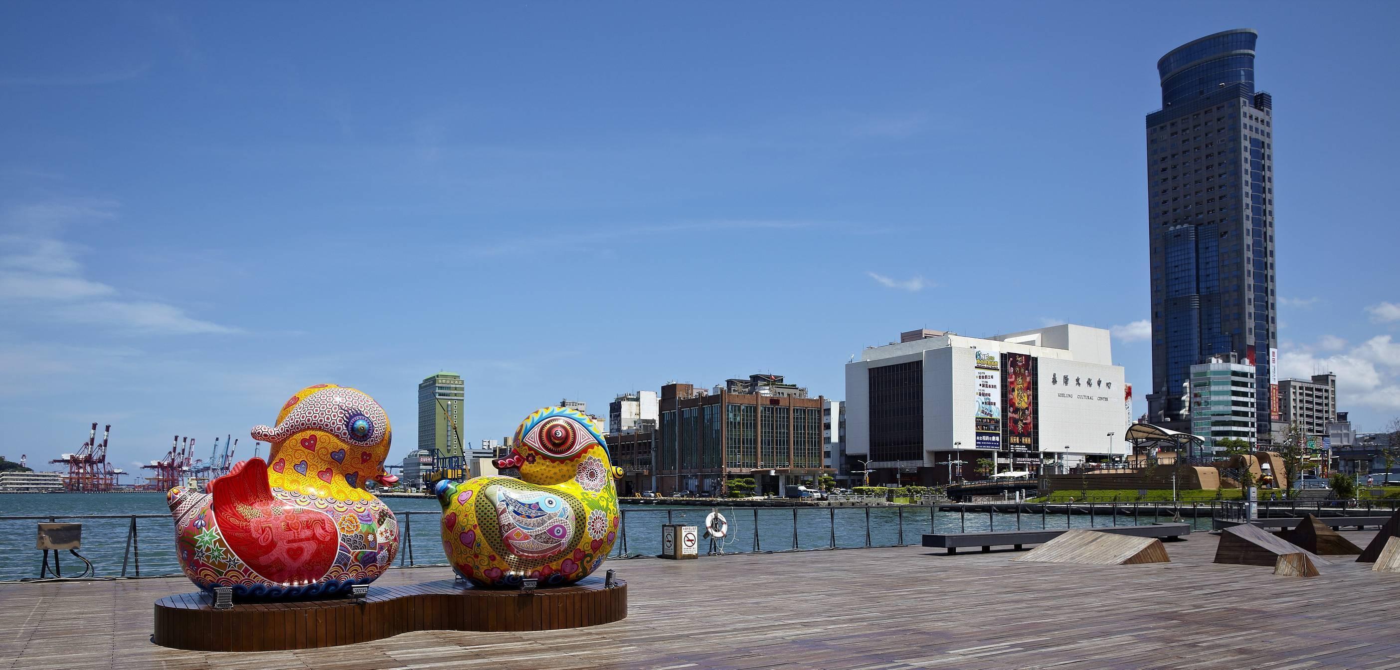 基隆海洋廣場全景,天造地設、絕佳場景。