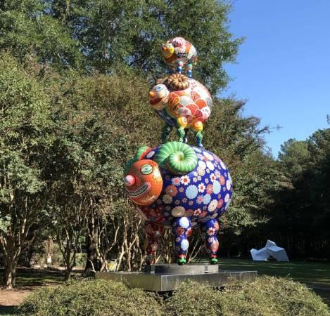洪易大型彩繪雕塑作品「三羊開泰」裝置於華盛頓瑪莉雕塑公園/洪易|三羊開泰|鋼板彩繪|284x172x454cm