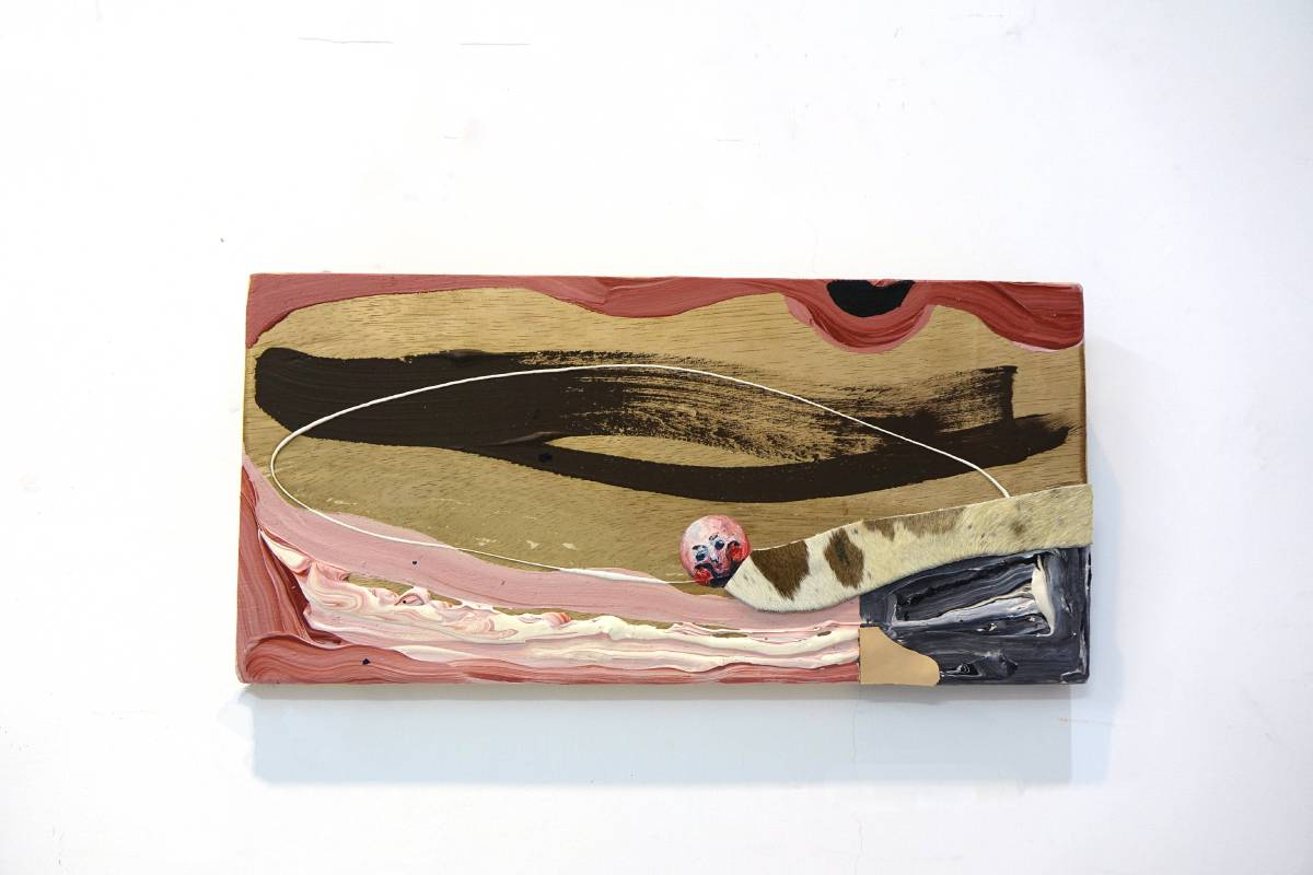 卓卉芹 CHO, Hui-Chin_不知所措的作品們 Pieces of the Lost World_壓克力彩、油彩、皮革、木板Acrylic, Oil, leather on wooden board_49.5x24cm (6號)_2018