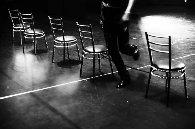 LED椅子與舞步 Chairs 2013 藝術紙輸出 Fine Art Printing