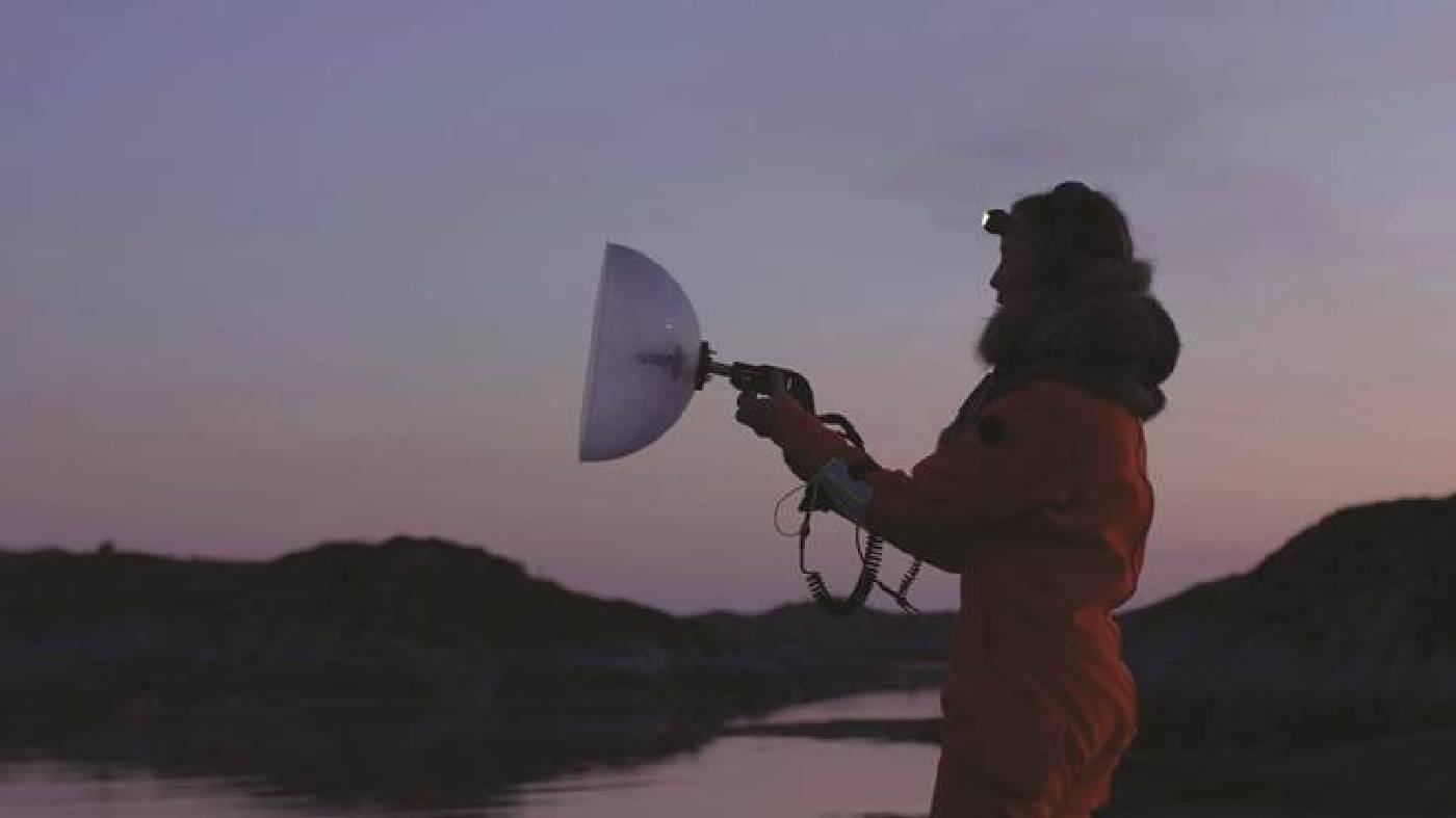 烏蘇拉.畢曼,《聲海》,2018。錄像裝置、科學儀器,19分鐘。 影像由藝術家提供。