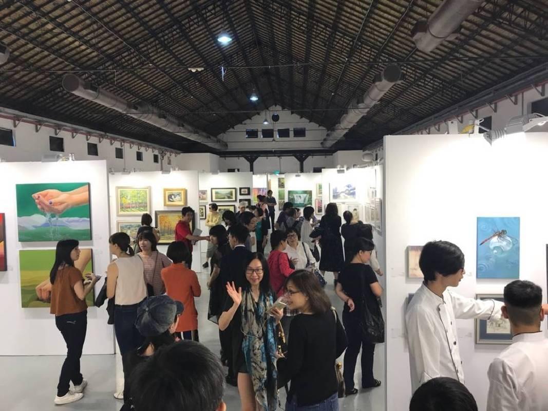 「ART easy 2018 台灣輕鬆藝術博覽會」10月26-28日於松山文創園區一號倉庫正式登場。