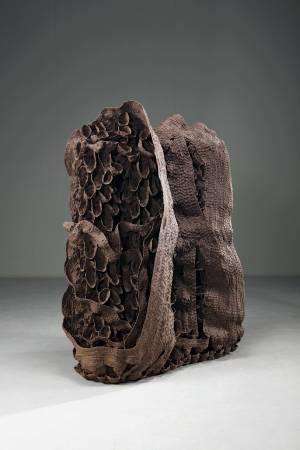 《2018-6》, 高溫陶, 137.5x103x63cm, 2018