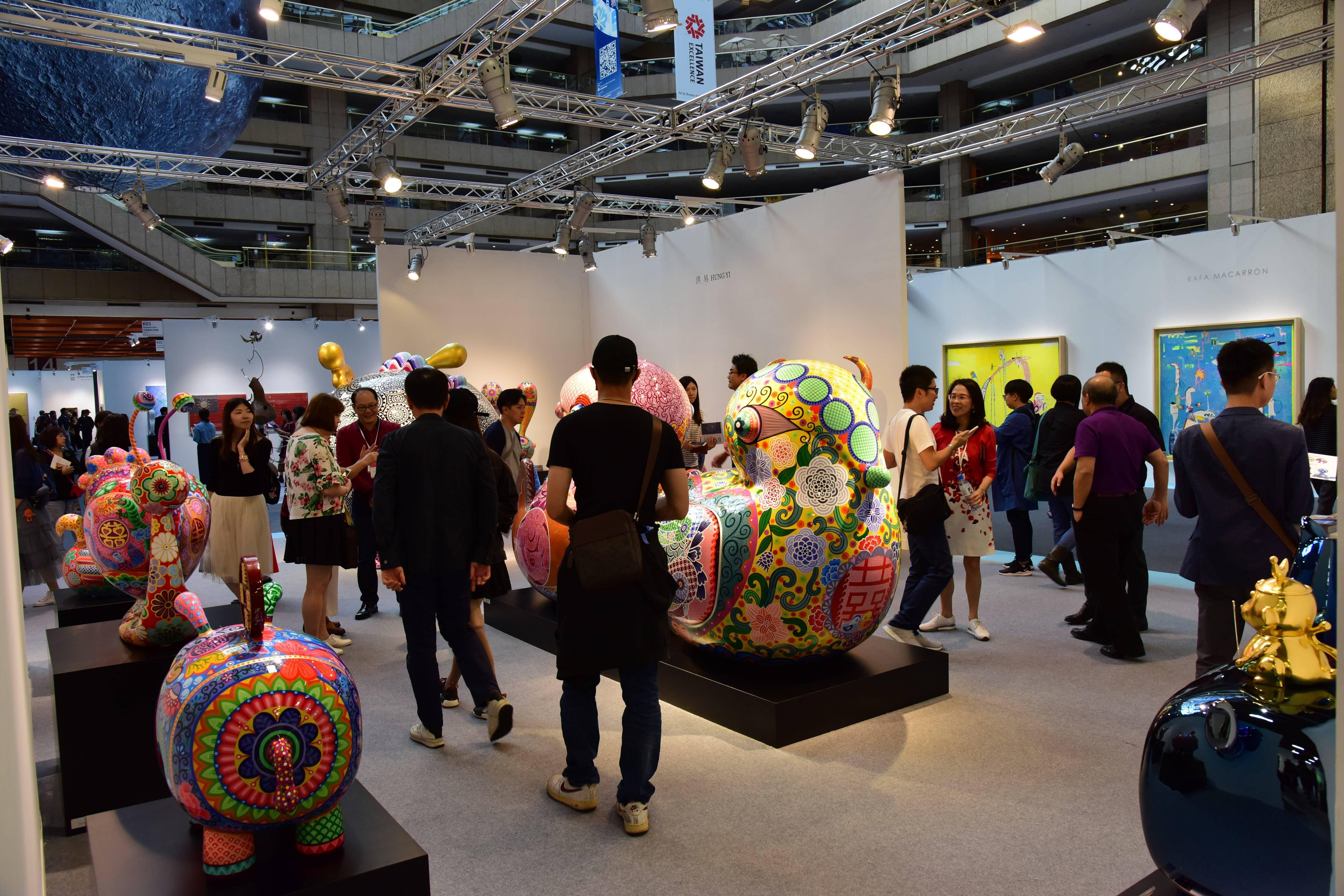2018台北藝術博覽會現場人潮洶湧、冠蓋雲集