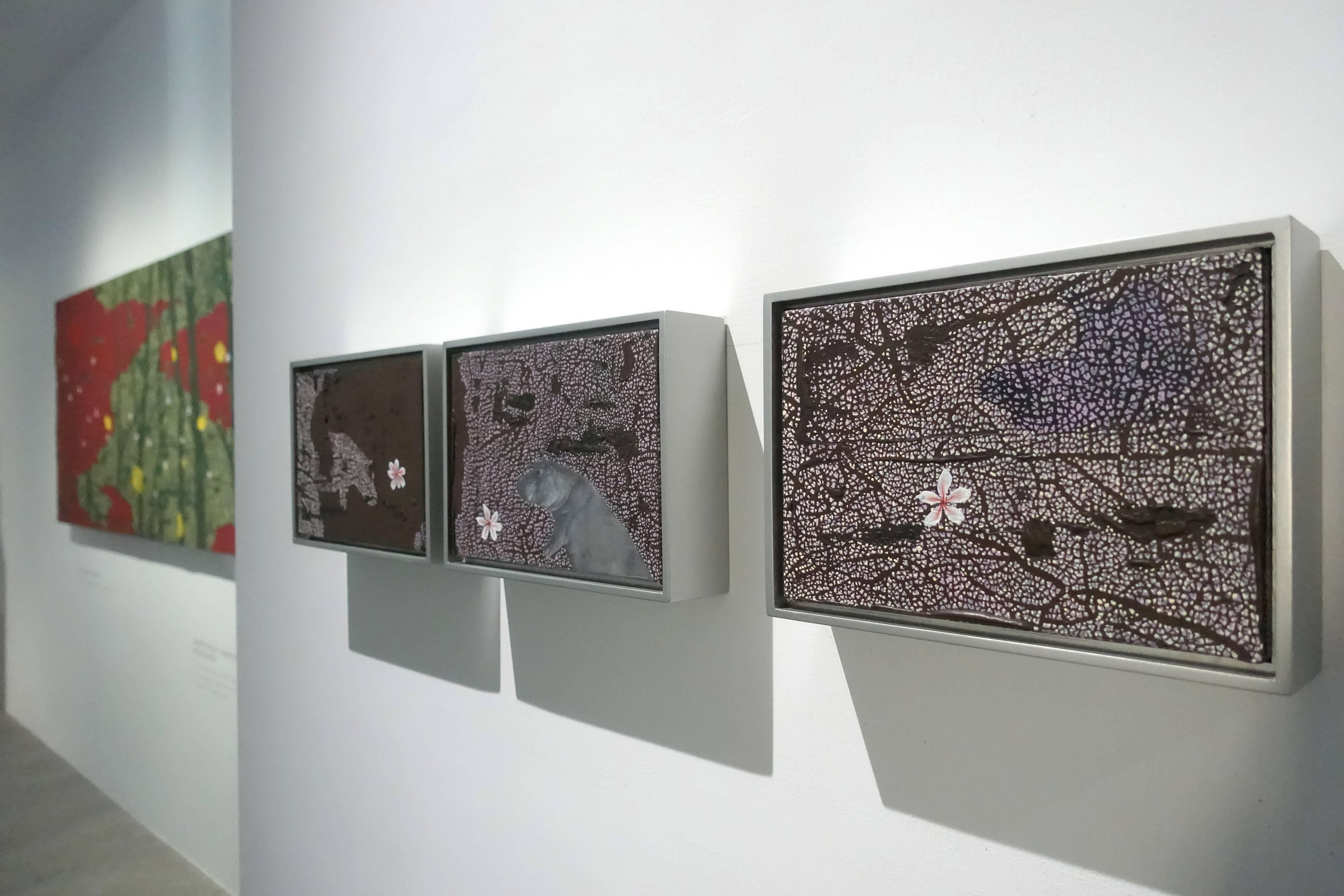 華裝舞會-傅作新個展於大雋藝術現場展出一隅。