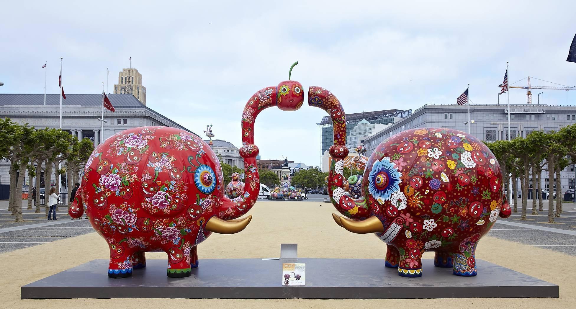 分享象 |2013|鋼板彩繪|665x210x378 cm|「分享象」,取其「享」及「象」之諧音,這樣的命名方式是藝術家創作靈感來源之一