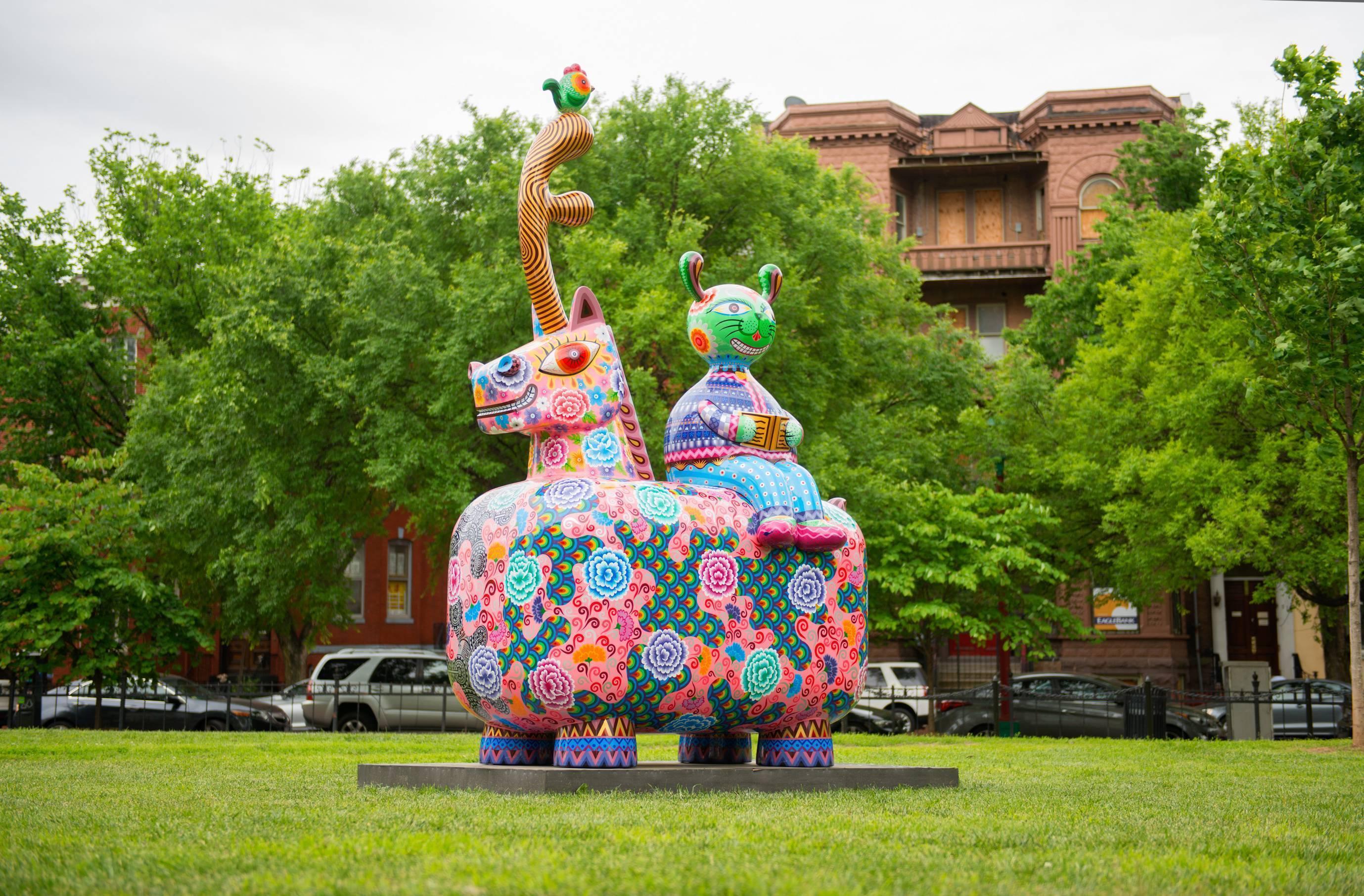 龍馬| 2013|鋼板彩繪|143x240x350 cm|作品「龍馬」,取其中國龍馬精神,奮鬥不止、自強不息的進取、向上之意。