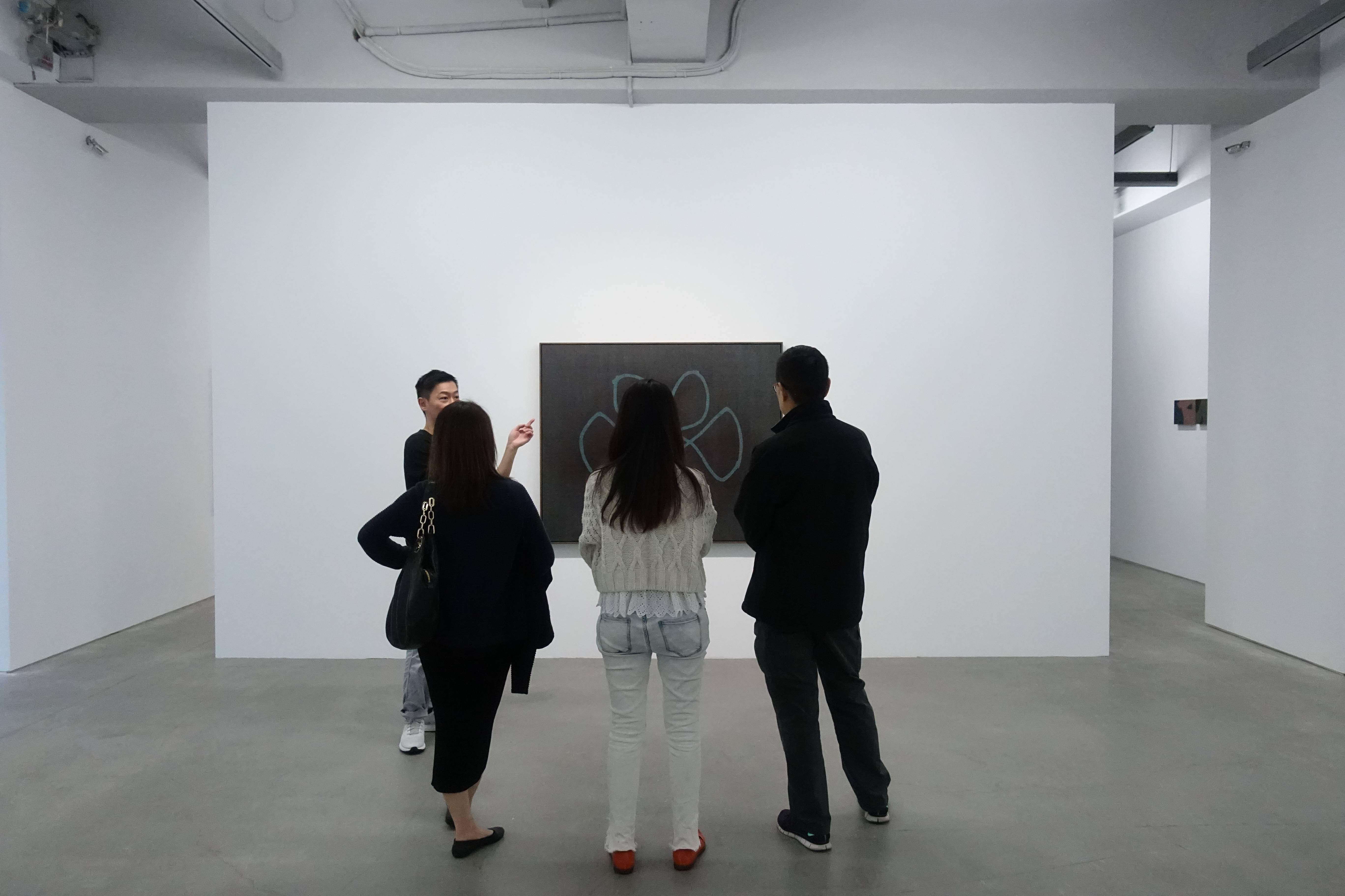 藝術家吳東龍現場導覽賞析作品。