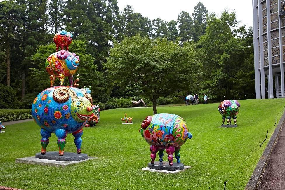洪易 快樂動物派對 2013「三羊開泰」及「綿羊」群組於日本雕刻之森美術館展覽