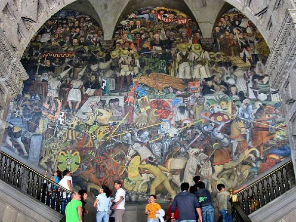 Diego Rivera's mural The History of Mexico at the National Palace in Mexico City. 圖/取自Wiki