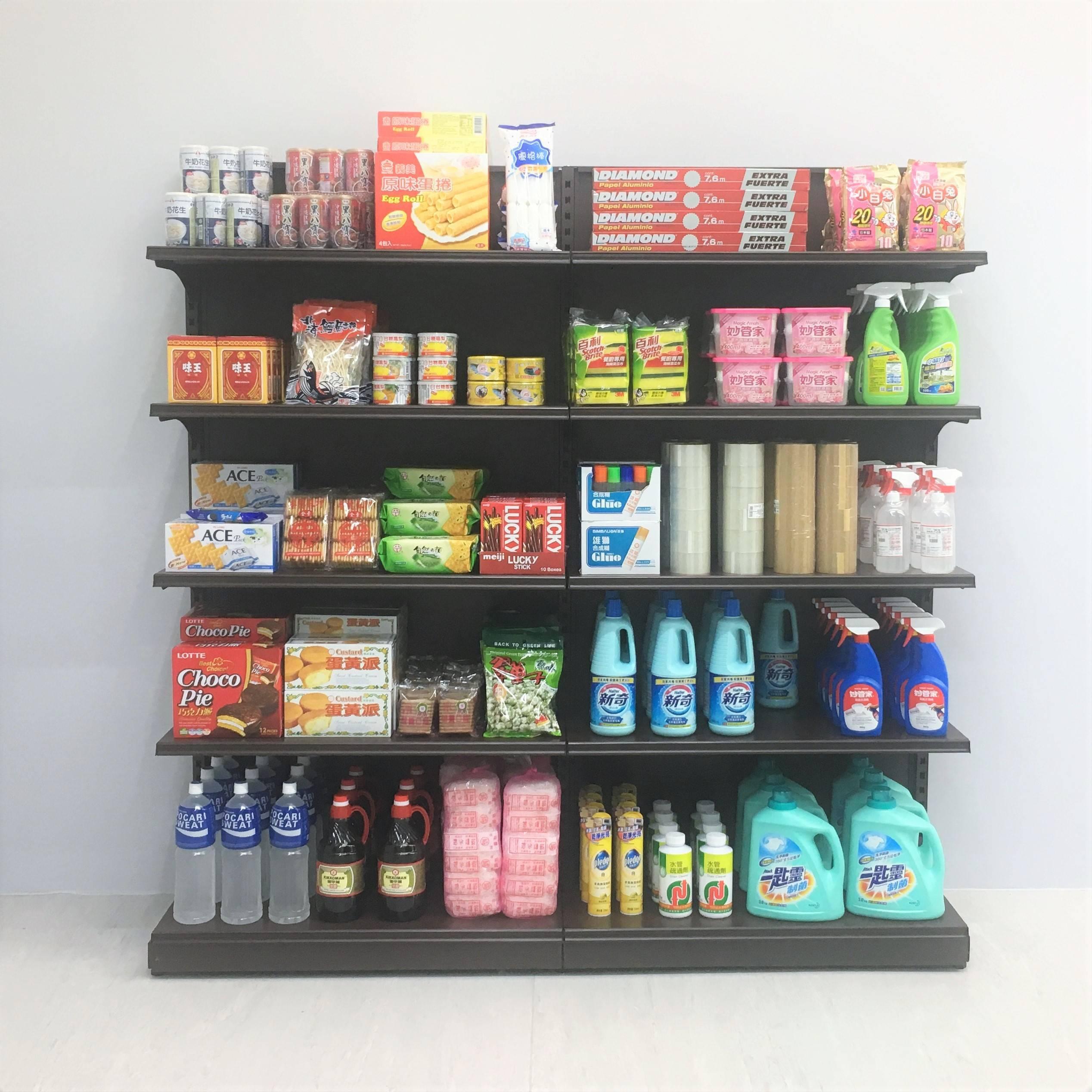 【在放鬆的多數的陽光下】李明學個展 李明學,《溢出的記憶》,超市與超商物件,180x180x30cm,兩件一組,2019。