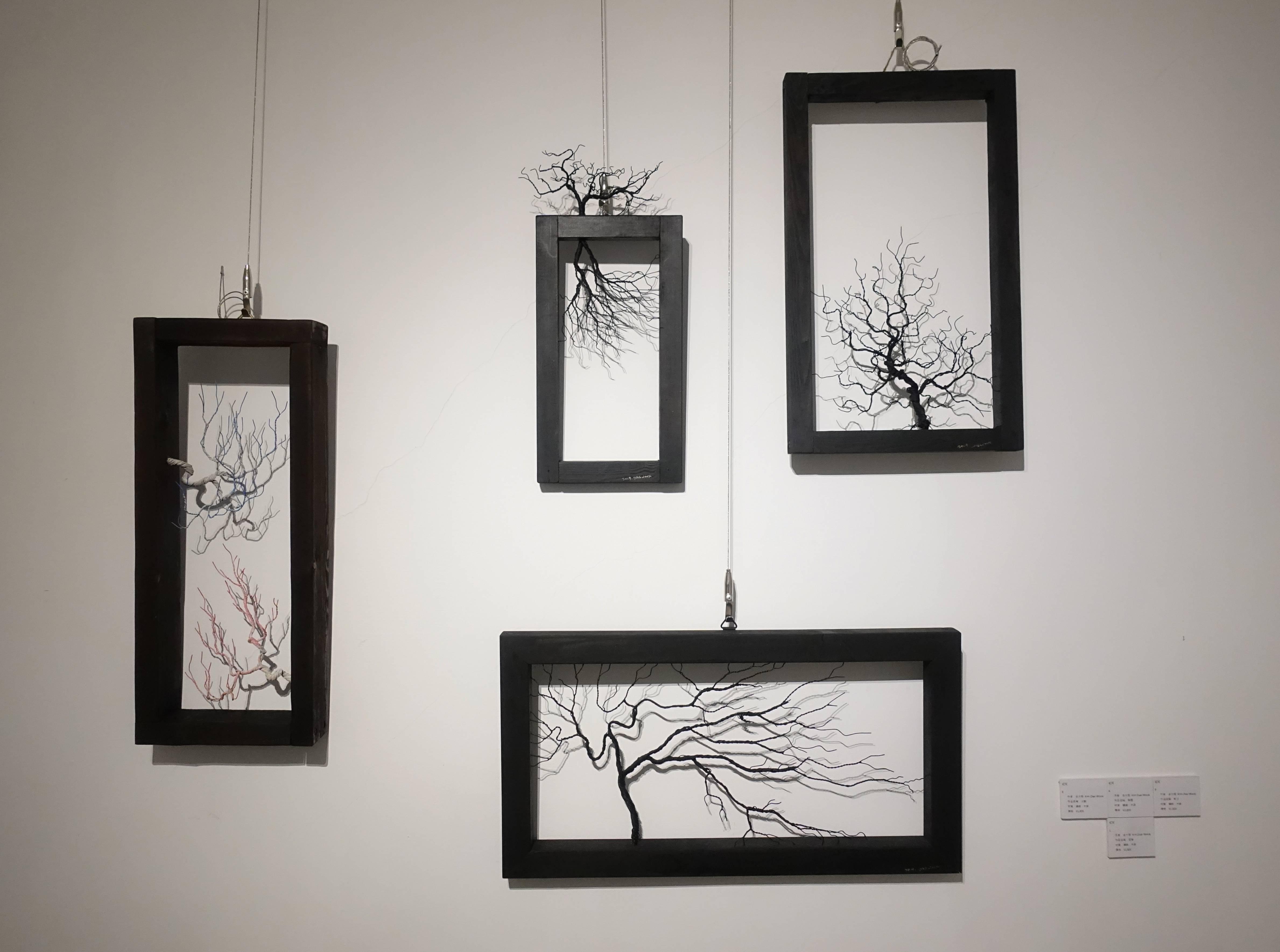 金大煜Kim Dae Wook,《移動的樹》系列,鋼線、木頭。