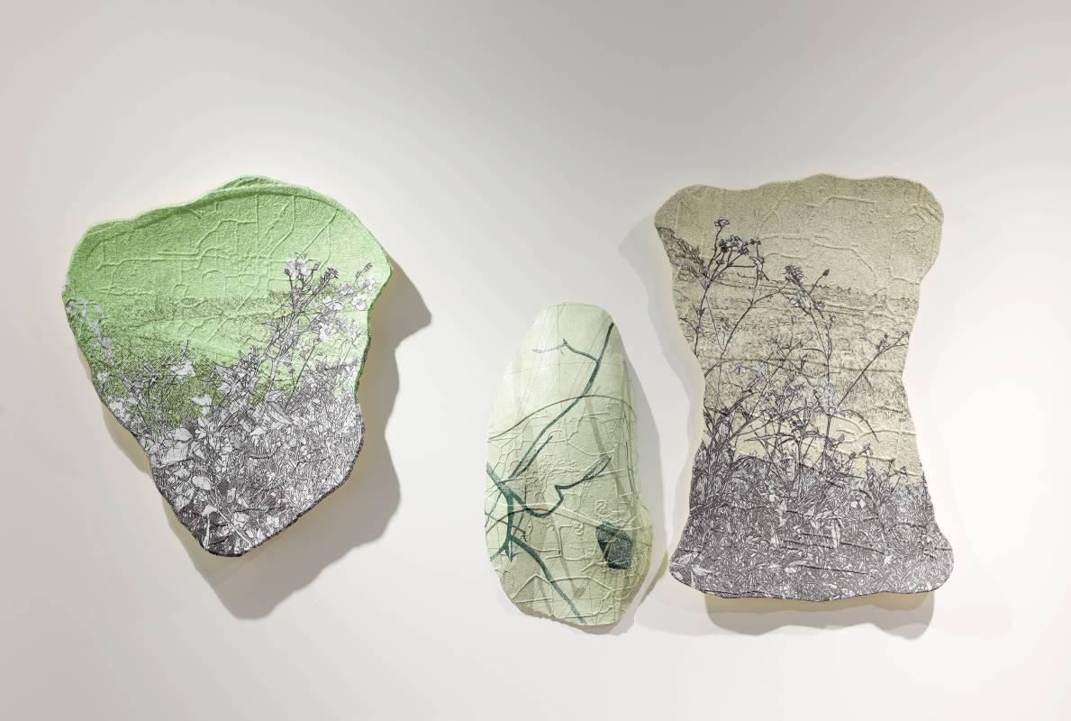 楊明迭 YANG Mingdye 草衣201802 Grass Coat 201802 (1/8)紙漿、併用版 Paper Pulp, Combining techniques90x83x8cmx32018