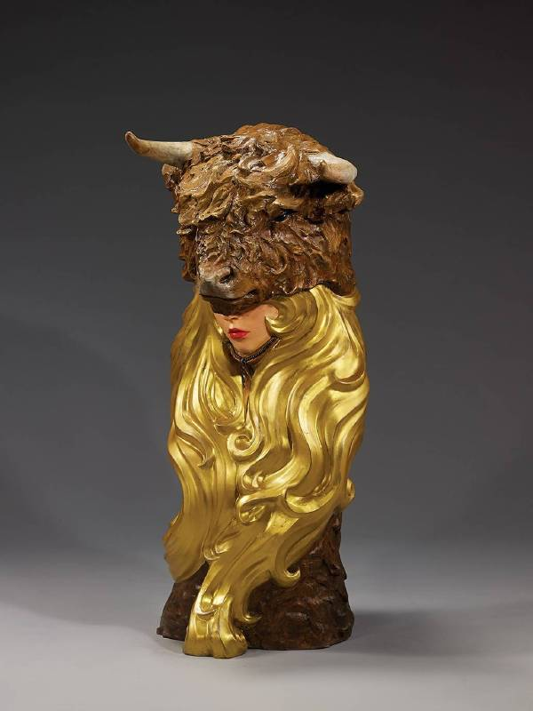 林國瑋│屋脊之矛│35x36x80 cm│銅、油彩上色│2019│限量8件