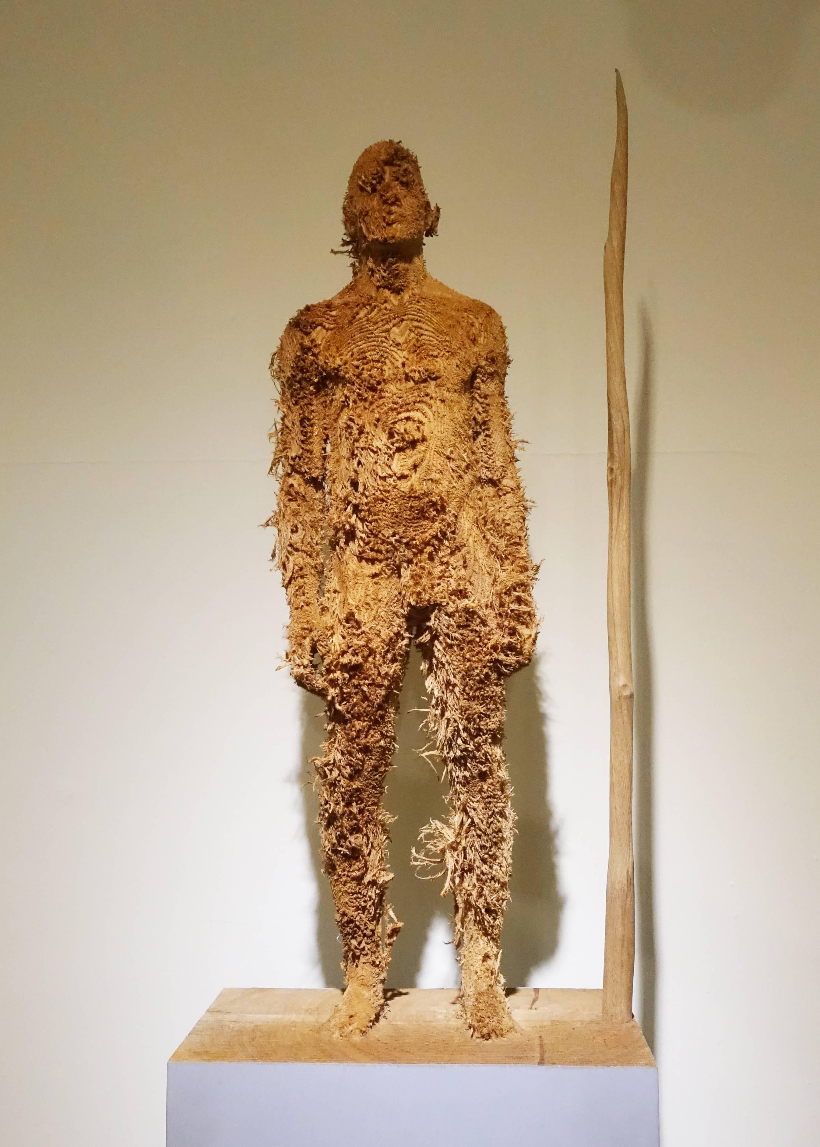 艾倫.德梅茲,《Seansons Between》,63 x 23 x 15 cm ,Nutwood堅果木,2012。