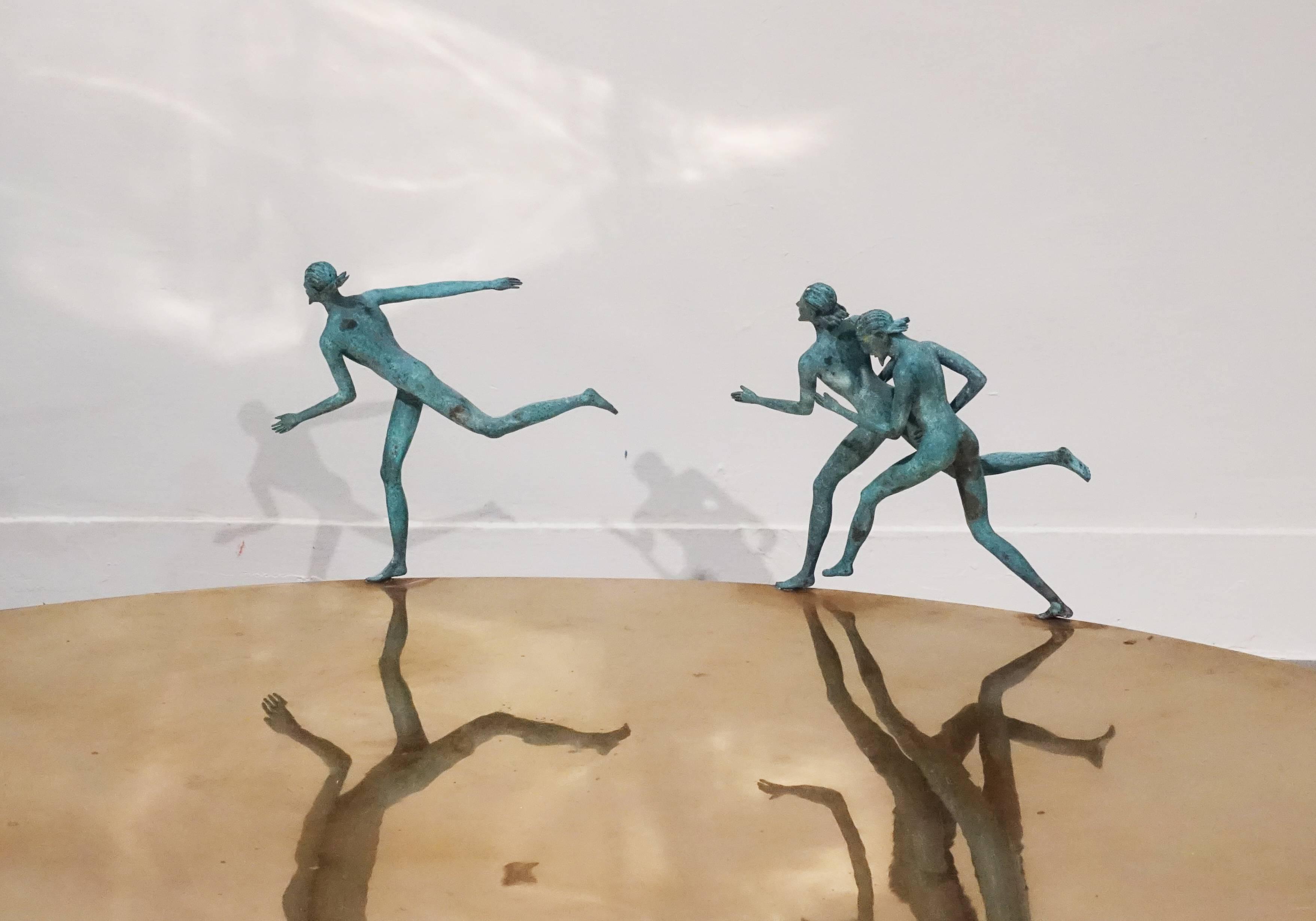 艾曼紐.瑞奇,《Oro 金色歐環》細節,34 x 100 x 100 cm ,銅,2011。