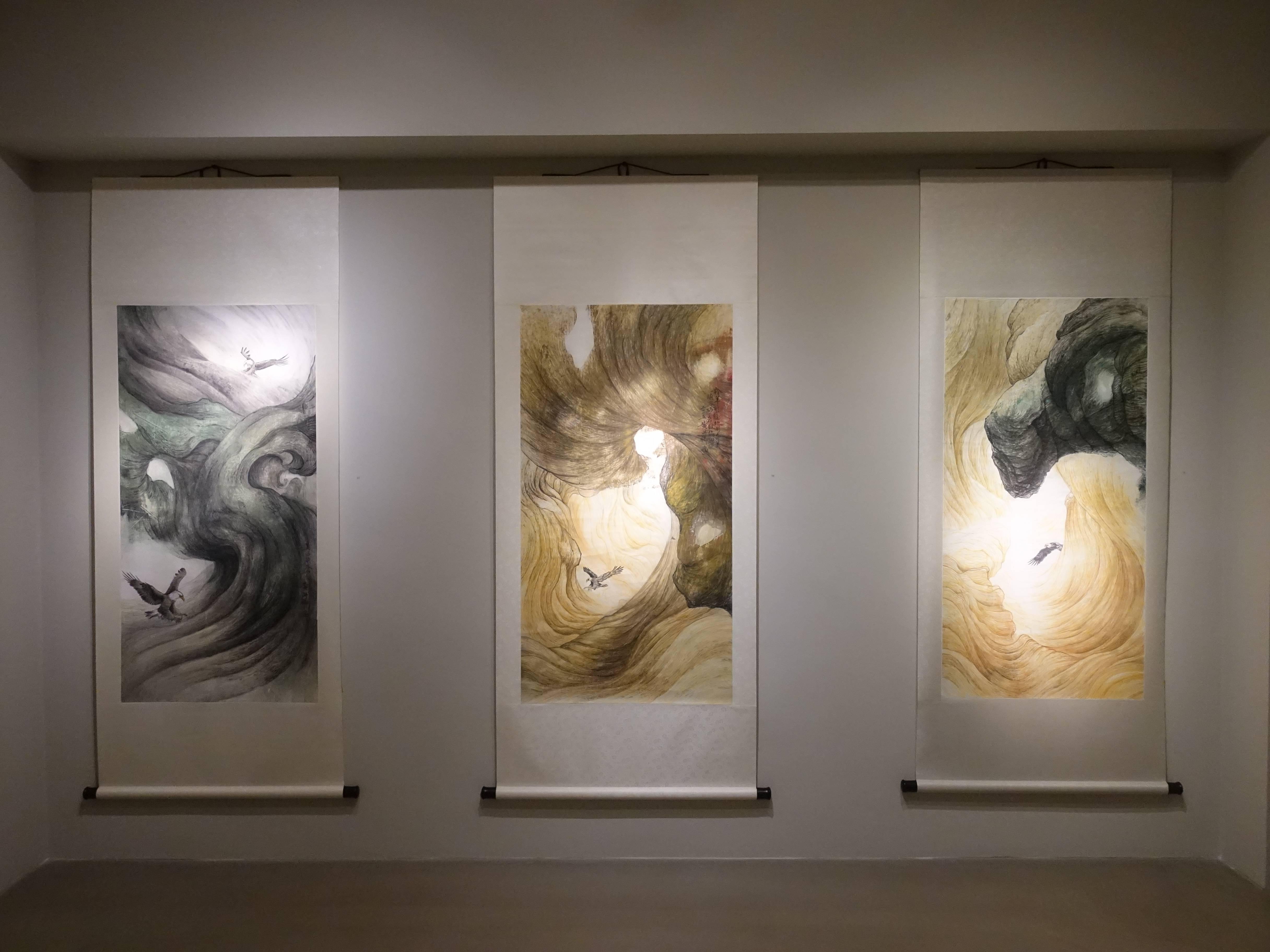 黃淑卿,《峽谷意象》系列,200 x 77 cm,紙本、水印木板,2015。