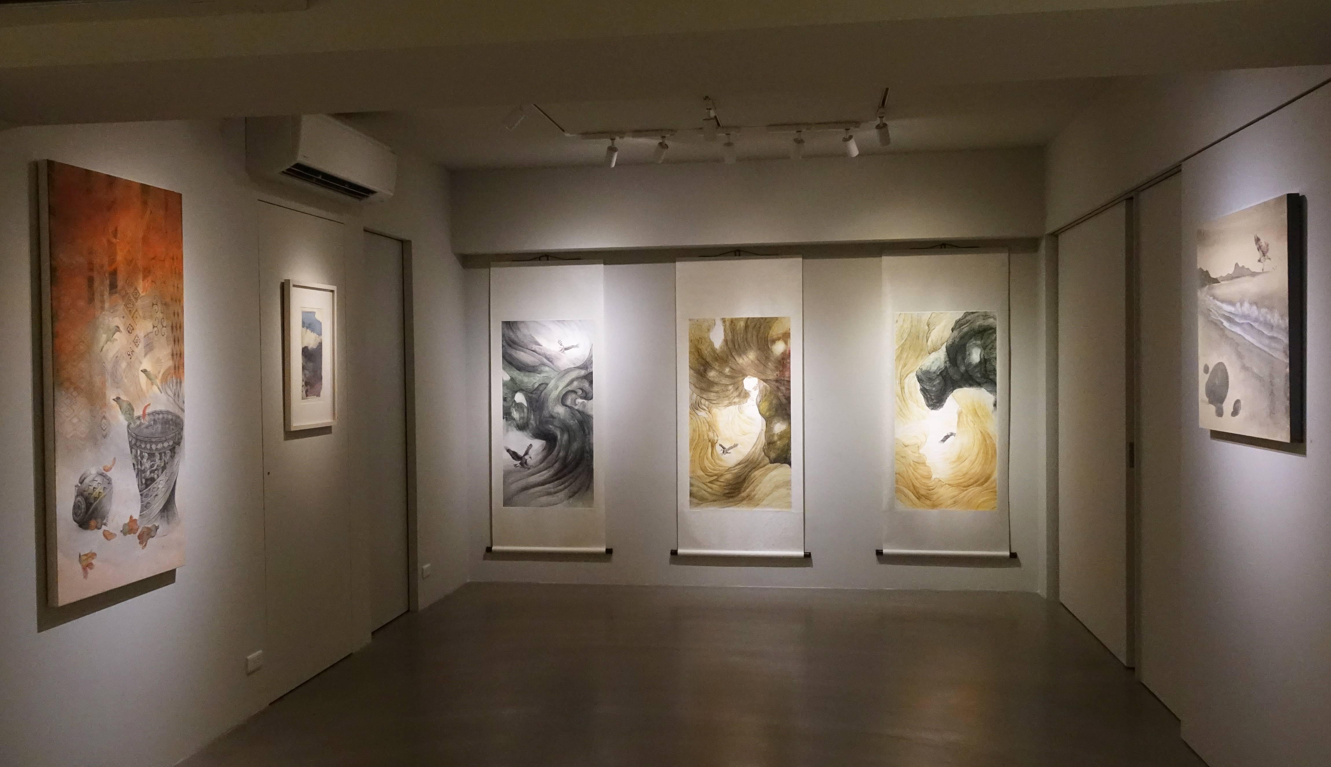 有璽藝術空間展出藝術家黃淑卿「生之嶼島」作品展。